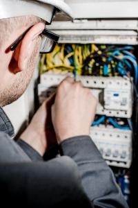 revisión periódica instalación eléctrica